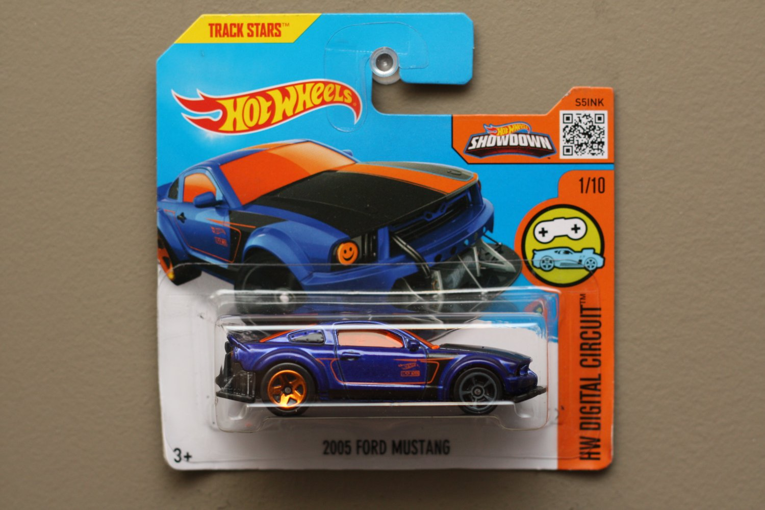 hot wheels 2016 hw digital circuit 2005 ford mustang blue see condition. Black Bedroom Furniture Sets. Home Design Ideas