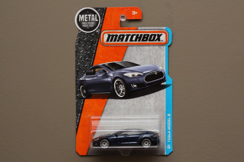 Matchbox 2016 MBX Adventure City Tesla Model S (navy blue)