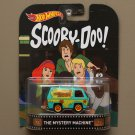 Hot Wheels 2016 Retro Entertainment The Mystery Machine (Scooby Doo)