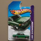 Hot Wheels 2013 HW Showroom BMW 2002 (green) (SEE CONDITION)