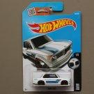 Hot Wheels 2016 BMW BMW 2002 (white)