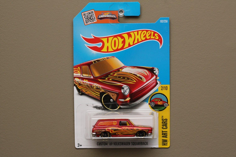 Hot Wheels 2016 HW Art Cars Custom '69 Volkswagen Squareback (burgundy)