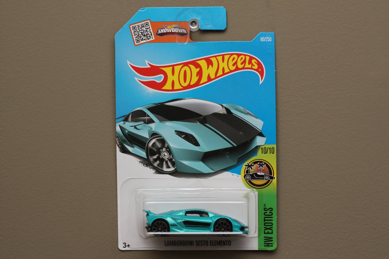 [ASSEMBLY ERROR] Hot Wheels 2016 HW Exotics Lamborghini Sesto Elemento (teal)