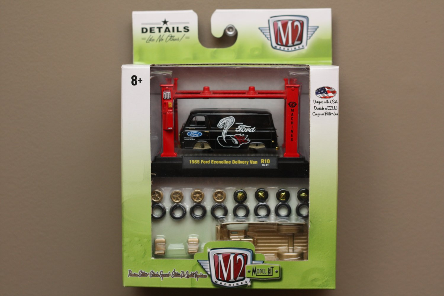 M2 Machines 2016 Model Kits 1:64 1965 Ford Econoline Delivery Van (black) (CHASE CAR)