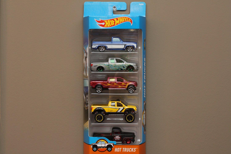 Hot Wheels 2017 5-Packs Hot Trucks (Chevy, Nissan, Ford, Toyota)