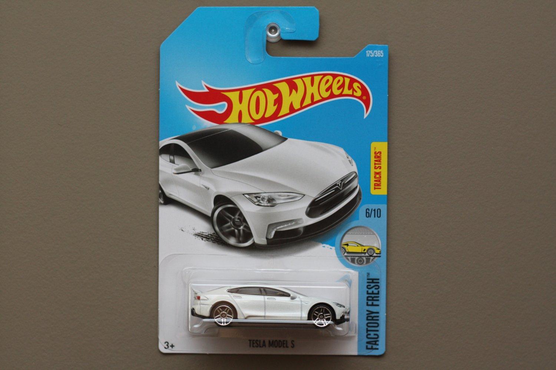 Hot Wheels 2017 Factory Fresh Tesla Model S (white)