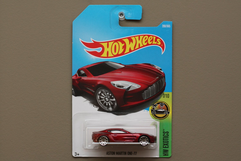 Hot Wheels 2017 HW Exotics Aston Martin ONE-77 (red)