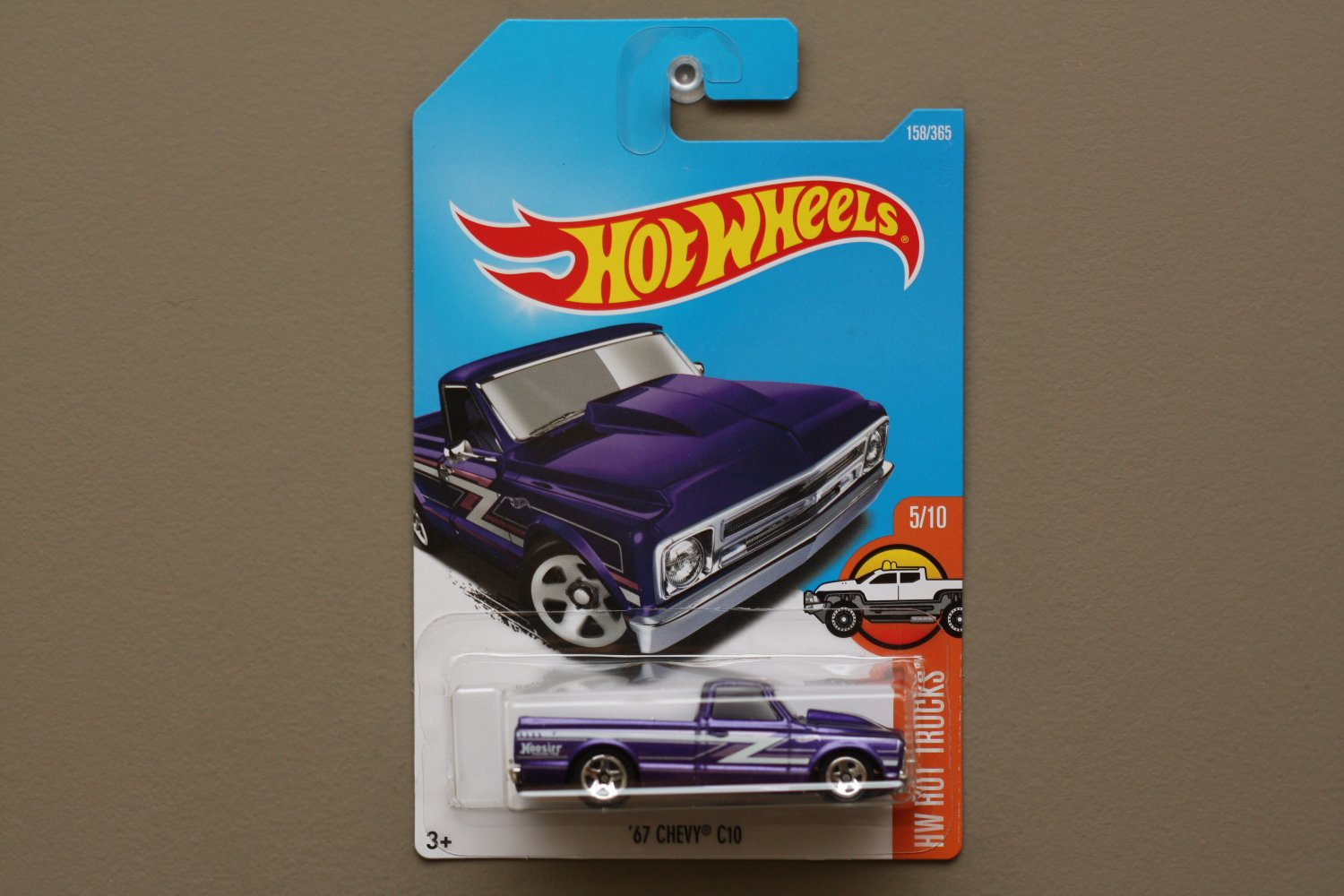 Hot Wheels 2017 HW Hot Trucks '67 Chevy C10 (purple)