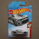 Hot Wheels 2018 Muscle Mania '15 Dodge Charger SRT Hellcat (silver)