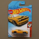Hot Wheels 2018 Muscle Mania '15 Dodge Challenger SRT Hellcat (yellow)