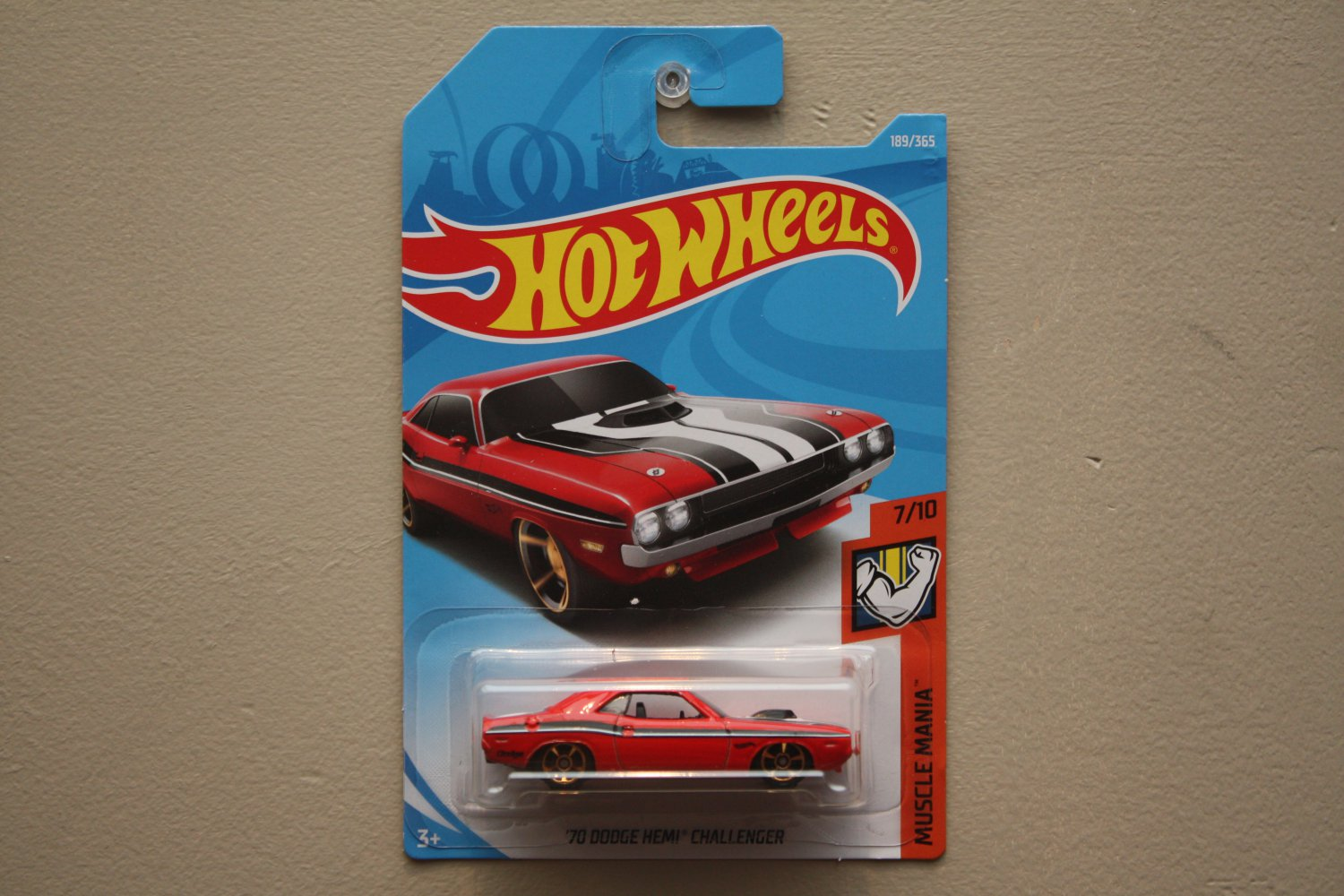 Hot Wheels 2018 Muscle Mania '70 Dodge HEMI Challenger (red)