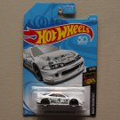 Hot Wheels 2018 Nightburnerz Custom '01 Acura Integra GSR (white)