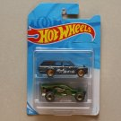 Hot Wheels 2019 2-Packs (feat. '71 Datsun 510 Wagon & Corkscrew) (SEE CONDITION)