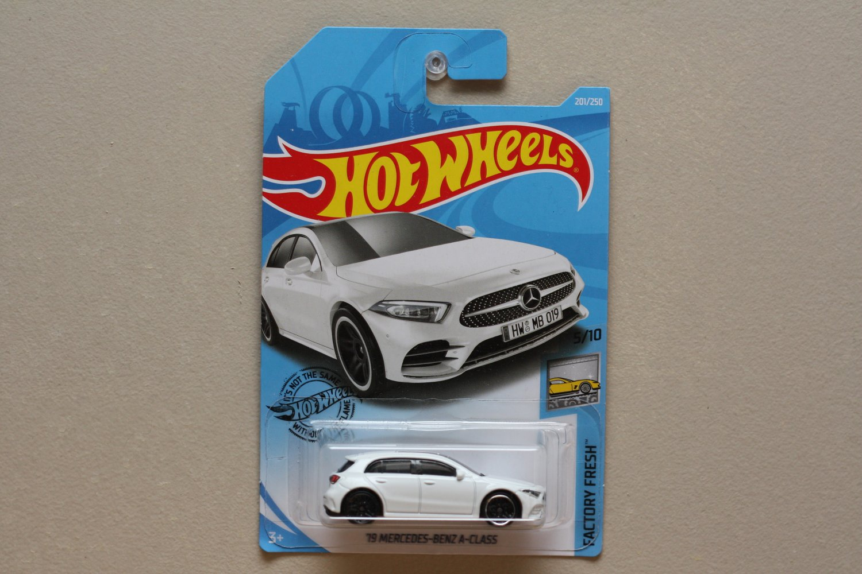 [WHEEL ERROR] Hot Wheels 2019 Factory Fresh '19 Mercedes-Benz A-Class (white)