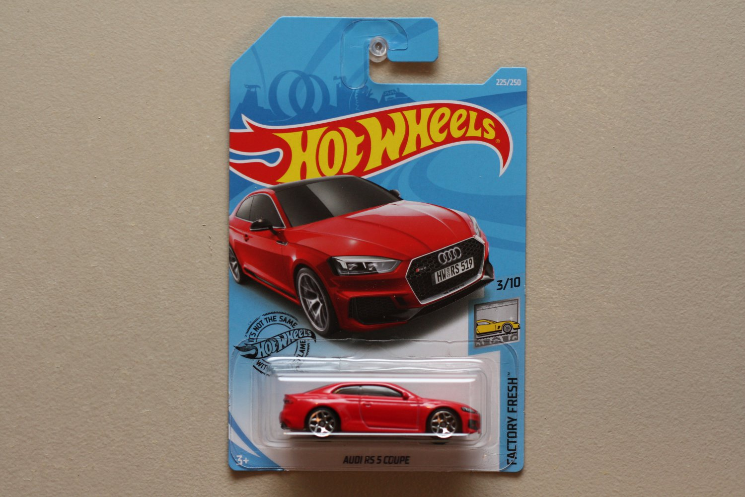 Hot Wheels 2019 Factory Fresh Audi RS 5 Coupe (red)