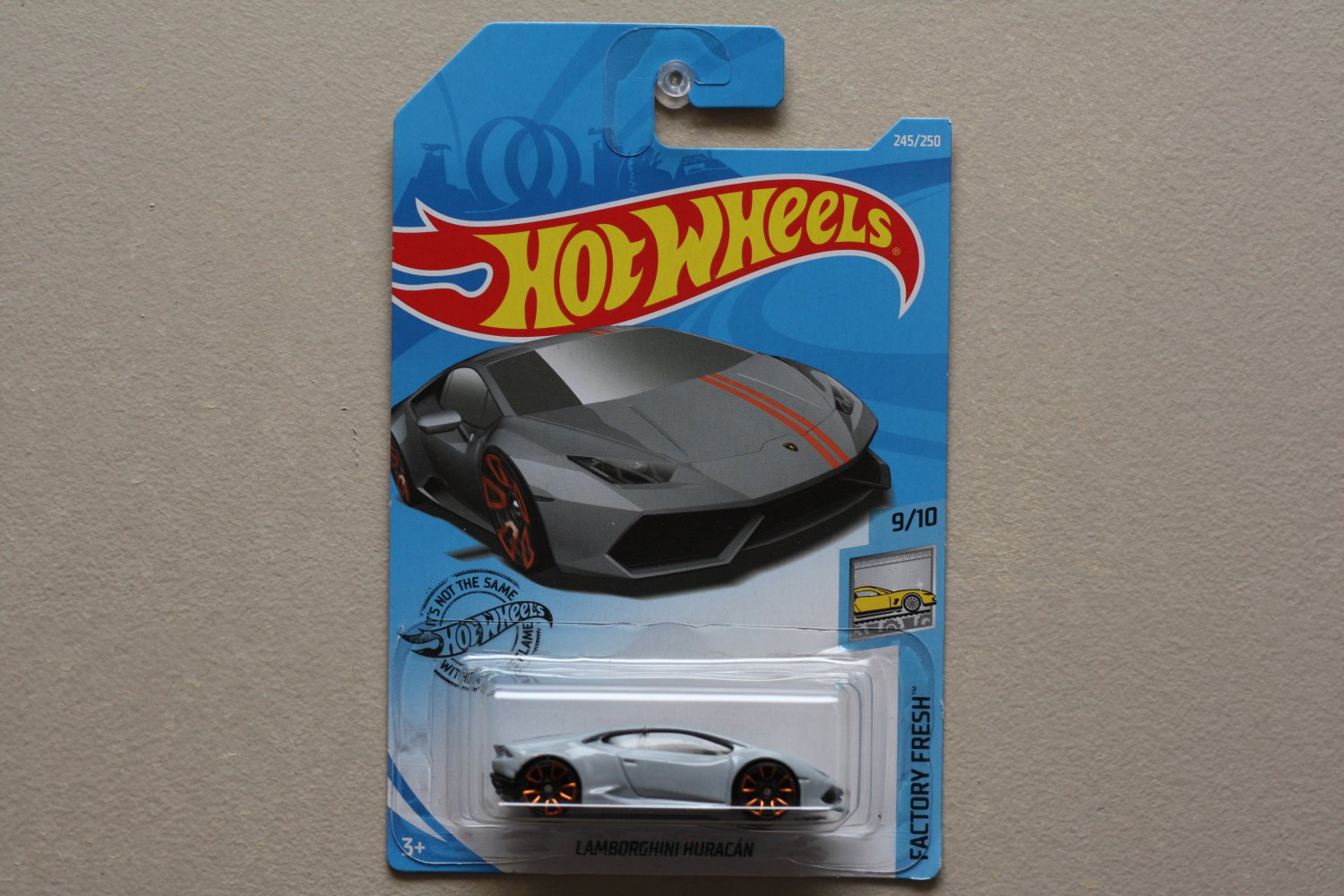 Hot Wheels 2019 Factory Fresh Lamborghini Huracan (grey)