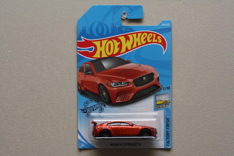 Hot Wheels 2019 Factory Fresh Jaguar XE SV Project 8 (orange)