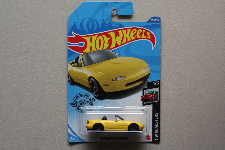 Hot Wheels 2020 HW Roadsters '91 Mazda MX-5 Miata (yellow)