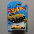 Hot Wheels 2020 HW Exotics '17 Lamborghini Urus (yellow) (SEE CONDITION)