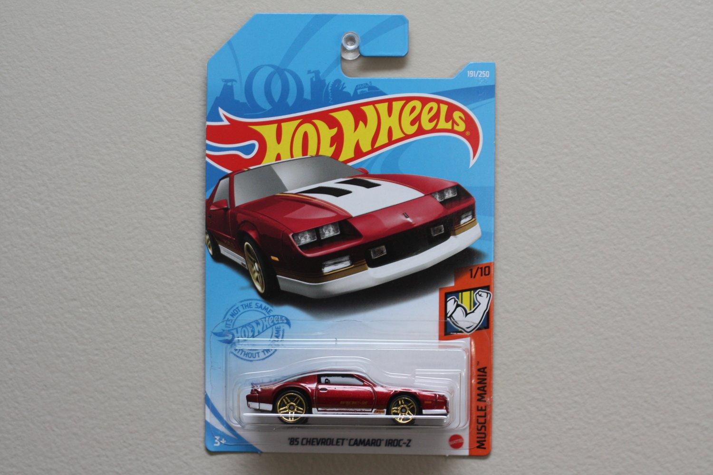 Hot Wheels 2021 Muscle Mania '85 Chevrolet Camaro IROC-Z (red)