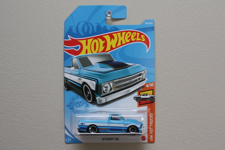 Hot Wheels 2021 HW Hot Trucks '67 Chevy C10 (blue)