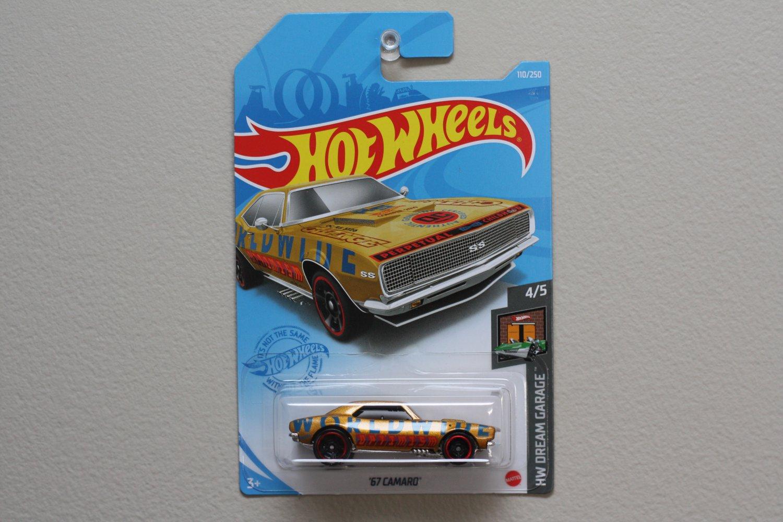 Hot Wheels 2021 HW Dream Garage '67 Camaro (gold)