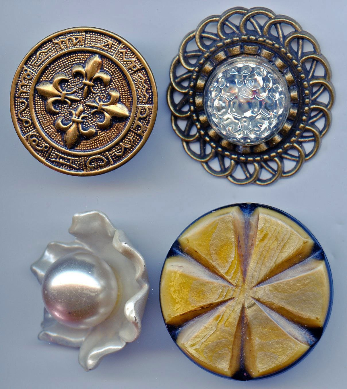 4 large size vintage buttons
