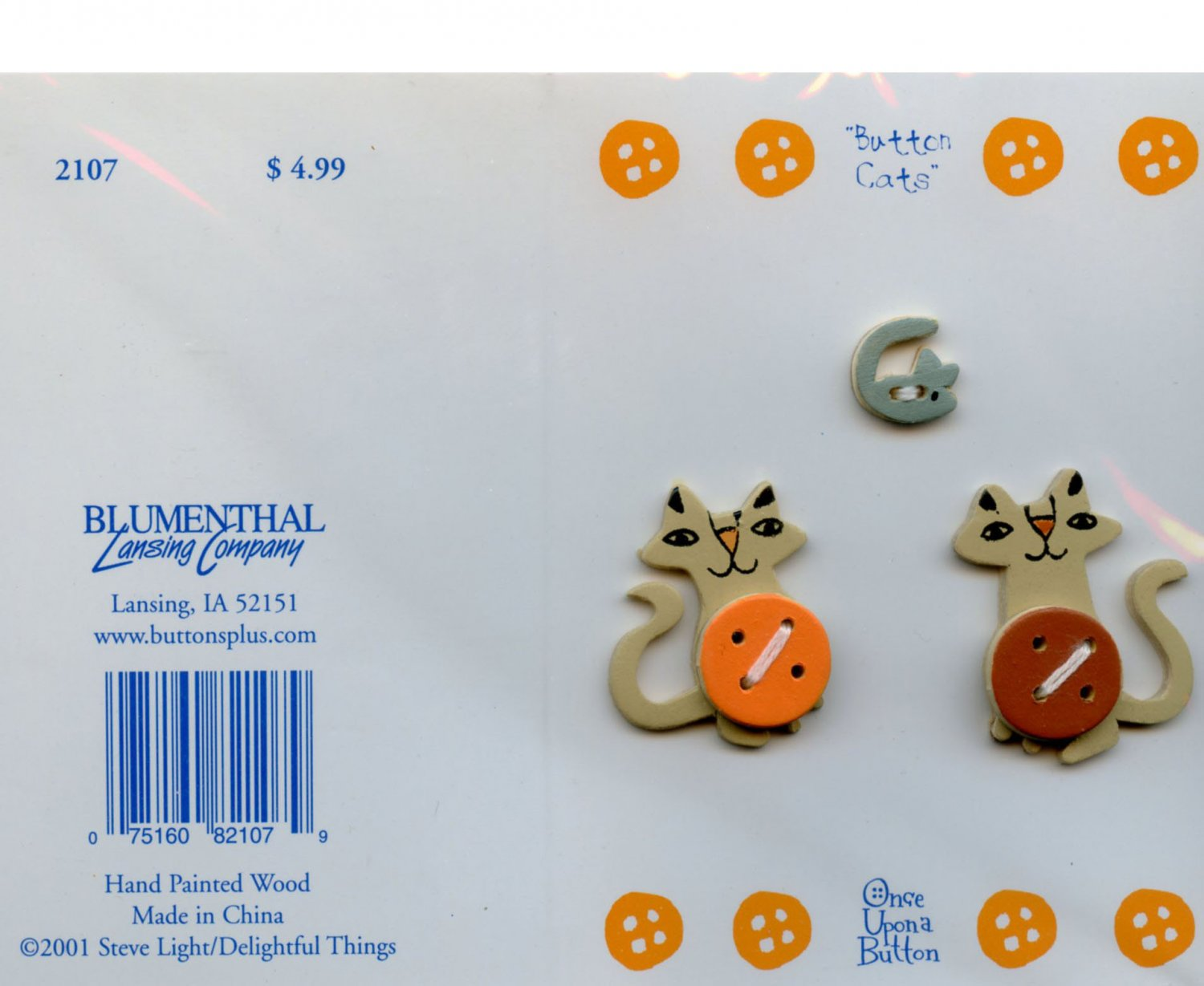 new 2001 realistic wood cats buttons on card with envelope
