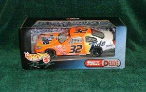 2000 Hotwheels Nascar 1/24-Tide #32