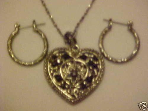 NEW IN BOX CRYSTAL HEART NECKLACE & PIERCED EARRINGS