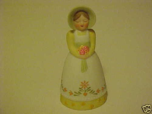 NEW LOVELY PORCELAIN 1985 AVON WOMAN IN BONNET BELL
