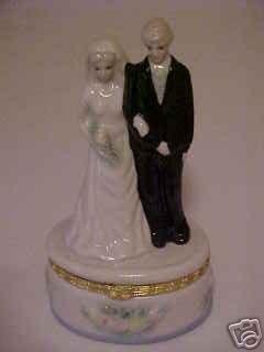 NEW BLONDE BRIDE & GROOM VANITY TRINKET RING JEWEL BOX