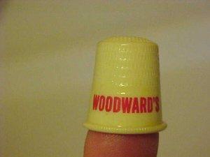 VINTAGE EARLY PLASTIC WOODWARDS QUADRIGA SEWING THIMBLE