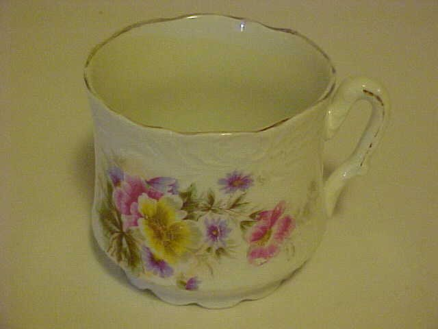 BEAUTIFUL VINTAGE FLOWERED PORCELAIN SHAVING MUG