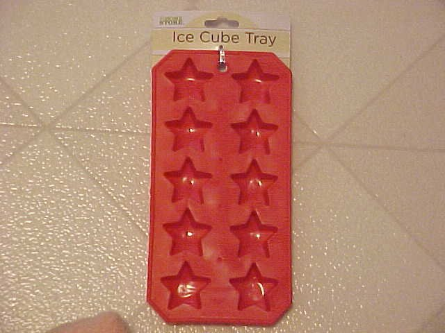 NEW 4TH OF JULY RED STAR SHAPED ICE CUBES CUBE TRAY