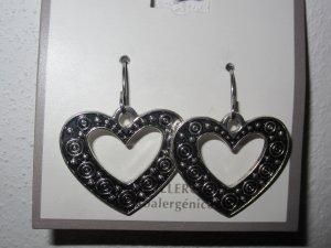 BRAND NEW Ornate Silver Tone Dangling Heart Hypo Allergenic Pierced EARRINGS