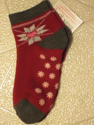 Brand New Max Grey Toddlers Size 6-8 Red Christmas Snowflake Ankle Slipper Socks