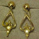 VINTAGE CLASSY GOLD TONE DANGLE SCREW BACK EARRINGS