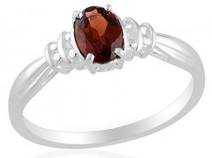 Mozambique Garnet (0.90 Ct), White Topaz Ring in Sterling Silver (Size 7) TGW 0.92 cts. (Retail $96)
