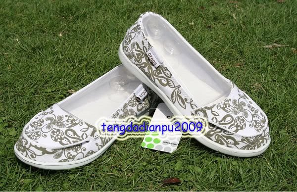 new CROCS� Santa Cruz Women' shoes flower  SZ:W5-W9=EUR35-39