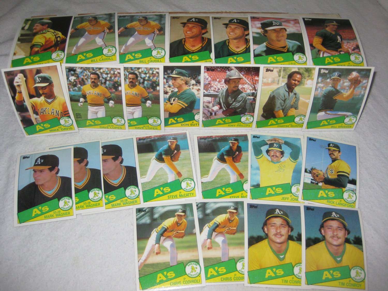 OAKLAND A'S 1985 TOPPS BASEBALL CARDS TEAM LOT FREE SHIPPING !!!