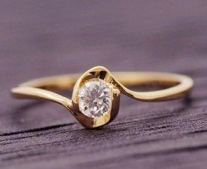 Pretty 9K Yellow  GOLD Layered Ring *size 7.5*