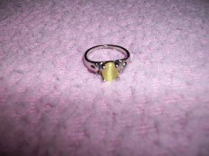 Cute Yellow Cats Eye Ring *size 6*