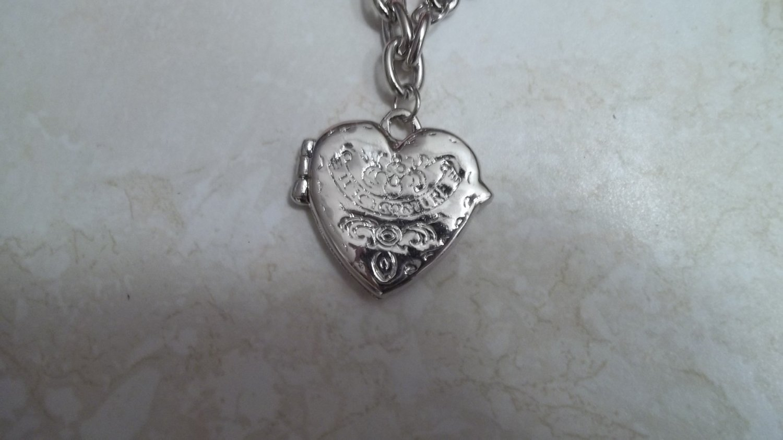 **Hott Heart shaped locket bracelet with Magnetic Closure