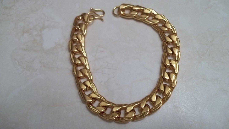 *Mens Curb Chain 18k Gold Clad Bracelet