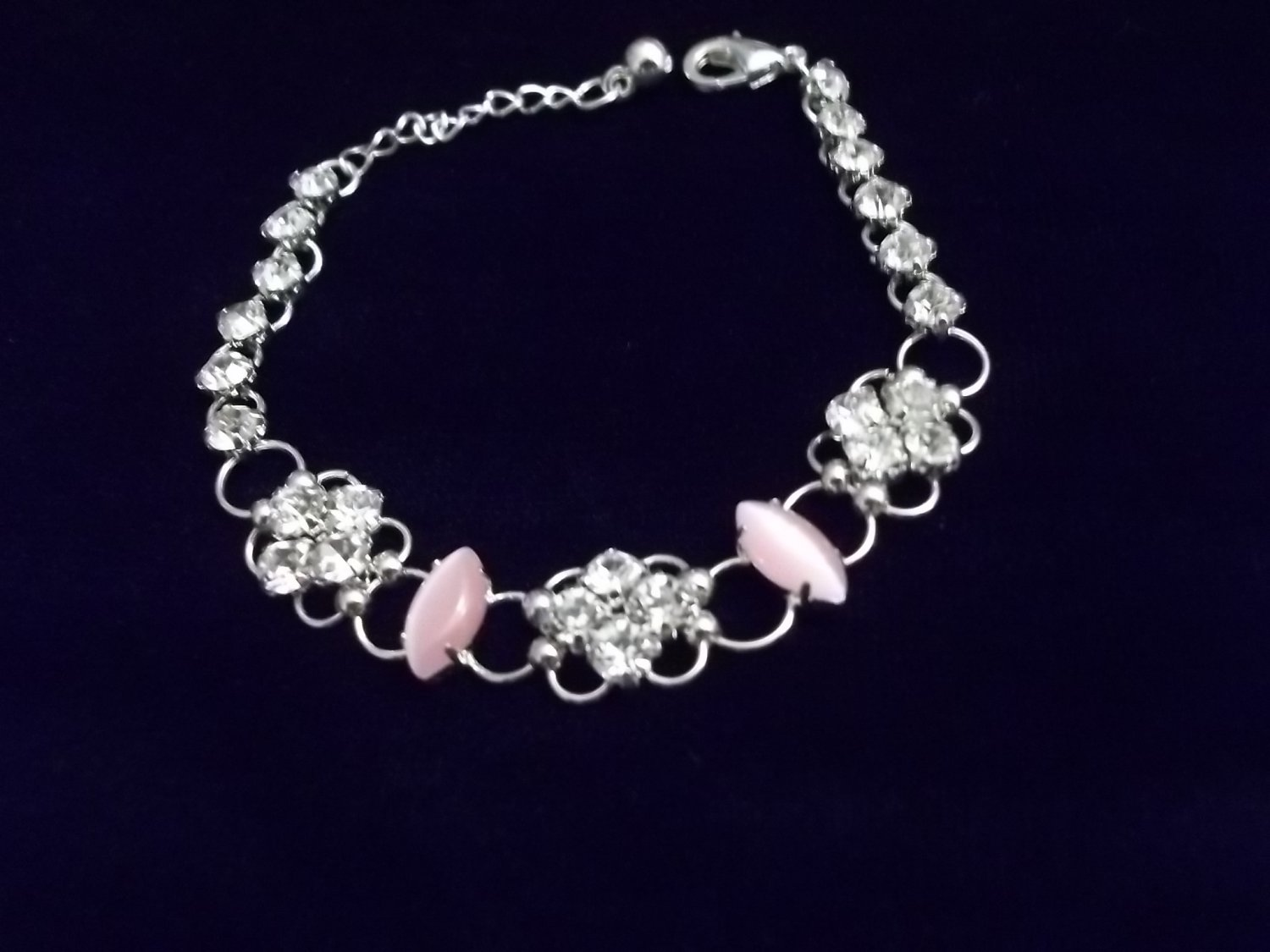**Exquisite Light Pink Cats Eye Crystal Bracelet