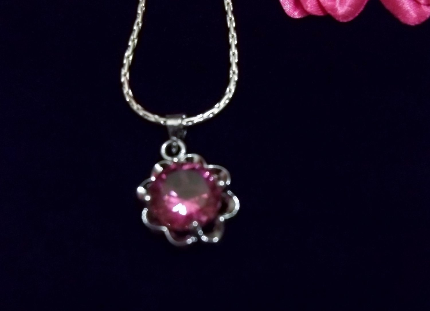 PINK CRYSTAL FLOWER NECKLACE