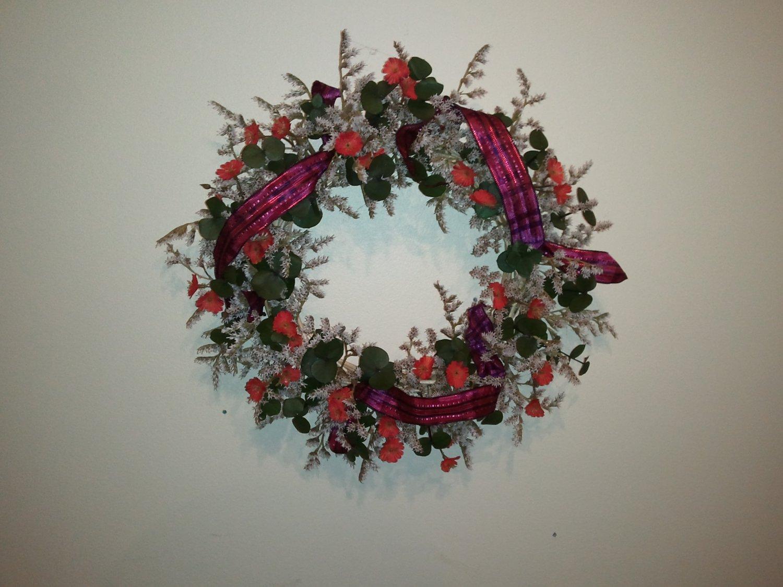 "14"" Burgundy German Statice Wreath (Item #040)"