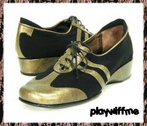 Taryn Rose Black & Gold Casual Shoes - Women's - Size 7 Medium