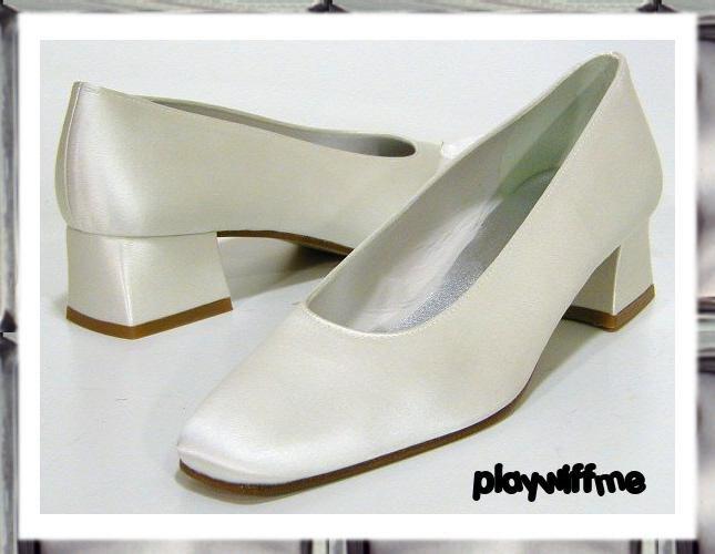 Stuart Weitzman White Dress Shoes - Women's 5.5 Medium